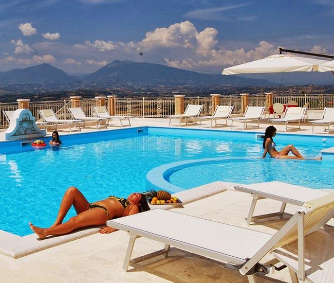 Offerta vacanza di Settembre al mare a Tortoreto al Resort Incantea